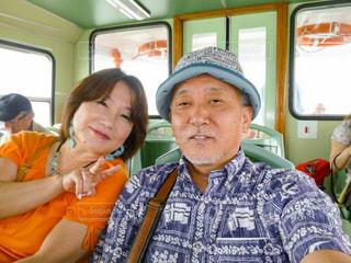 バスに座っている人々 のグループの写真・画像素材[1782439]