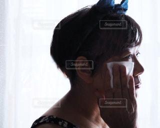 洗顔後のお手入れの写真・画像素材[2359821]