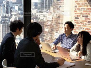 会議中の写真・画像素材[2398983]