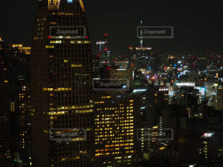 夜の街の眺めの写真・画像素材[2716568]