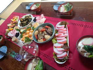 屋内,テーブル,おせち料理,料理