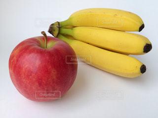 リンゴとバナナの写真・画像素材[922574]