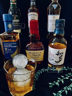 ワイン,ボトル,ビール,ガラス瓶,ウイスキー,バー,ドリンク,アルコール,飲料,テキスト,おうち時間,ウイスキーがお好きでしょ