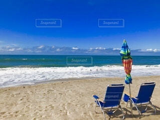 浜辺と椅子の写真・画像素材[4854808]