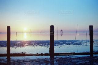 沈む夕日の写真・画像素材[958975]