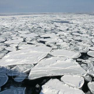 近く雪に覆われたフィールド - No.880942