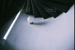 近くの黒い傘の写真・画像素材[1232991]