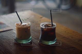 テーブルの上でコーヒーを一杯の写真・画像素材[2917420]