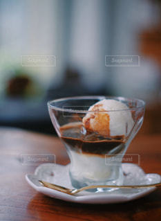 テーブルの上でコーヒーを一杯の写真・画像素材[2917425]