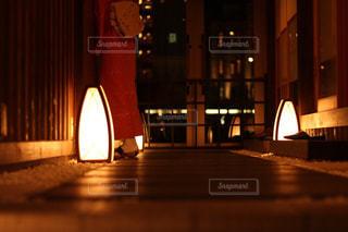 建物は夜ライトアップの写真・画像素材[917203]