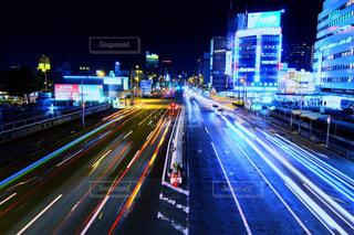 夜の高速道路の写真・画像素材[2716323]