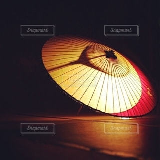 黄色い傘の写真・画像素材[2795816]