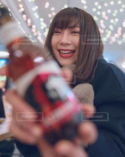 彼女と飲み会の写真・画像素材[2828173]