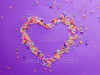 かわいい,カラフル,紫,鮮やか,ハート,お菓子,チョコレート,チョコ,カラースプレー,多色