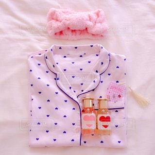 ピンク,かわいい,ハート,水玉,俯瞰,パジャマ,置き画,ベッド,ハート柄