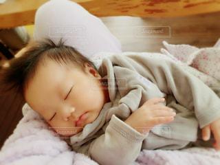 赤ちゃんの寝顔の写真・画像素材[1021531]