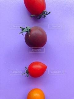 カラフルなトマトの写真・画像素材[3686465]