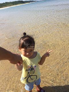 女性,子ども,海,波,海辺,沖縄,人物,旅行,ポートレート,sea,Travel
