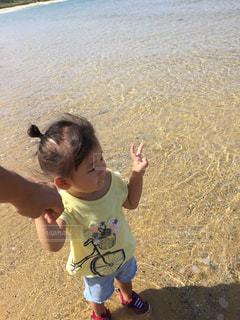 女性,子ども,海,水,波,海辺,沖縄,人物,旅行,ポートレート,sea,Travel,ファインダー越しの世界