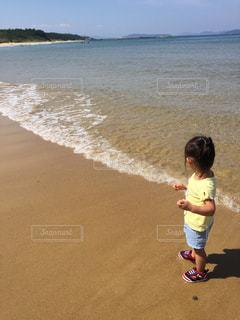 女性,子ども,海,水,波,海辺,沖縄,人物,旅行,ポートレート,水遊び,sea,Travel