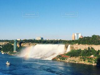 ナイアガラの虹の写真・画像素材[2509390]