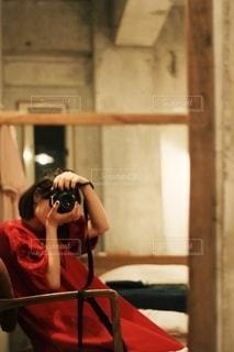 カメラとワンピースの写真・画像素材[2655194]