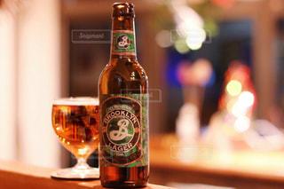 ちょっと特別にしたい日のビールの写真・画像素材[2828383]