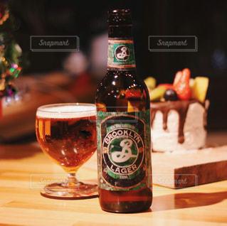 ビールとケーキのペアリングの写真・画像素材[2828380]