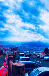 今にも雨が降りそうな空の写真・画像素材[1864011]