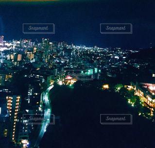 夜の街の景色の写真・画像素材[1877971]