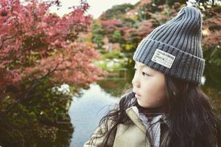 帽子をかぶっている女性の写真・画像素材[893510]