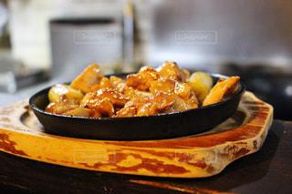 テーブルの上に座って食品のボウル - No.914545