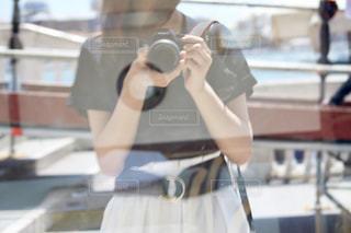 カメラ女子の写真・画像素材[1829551]