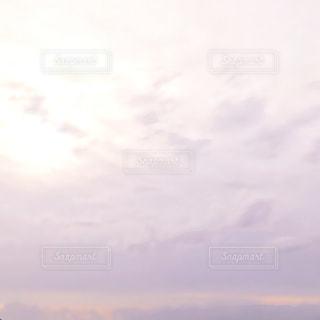 背景の夕焼けの写真・画像素材[2416653]