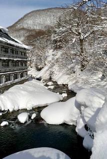 雪の山の写真・画像素材[995998]
