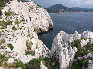 岩が多い山の写真・画像素材[911363]