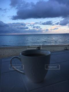 ビーチで朝食の写真・画像素材[1157084]