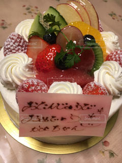 ケーキ,いちご,フルーツ,果物,誕生日,フレッシュ,色鮮やか,スィーツ,インスタ映え,バースディケーキ