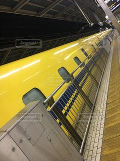 黄色い電車の写真・画像素材[1826024]