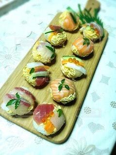 まな板の上の食べ物の写真・画像素材[3862060]
