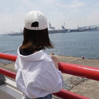 女性,風景,海,空,屋外,白,後ろ姿,帽子,船,洋服,背中,人