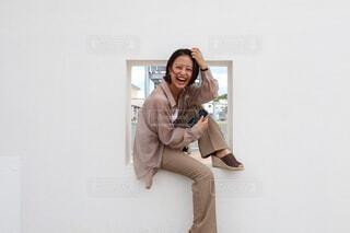 携帯電話で話している人の写真・画像素材[3655702]