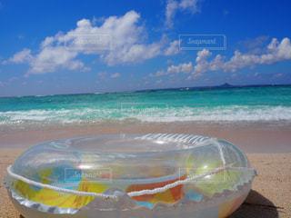 自然,空,屋外,ビーチ,雲,砂浜,波,水面,海岸,沖縄,夏休み,浮き輪,マリン,日中