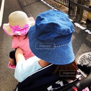 子どもとママはベビーカーに乗ってます(苦笑)の写真・画像素材[1181519]