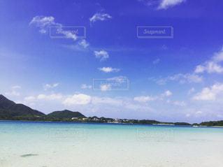 海,空,絶景,南国,ビーチ,砂浜,白い砂,沖縄,石垣島,エメラルドグリーン,ビーチコーミング,エメラルドグリーンの海,オーシャンブルー