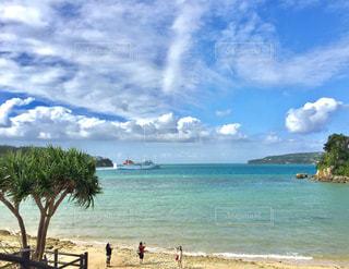 海,夏,南国,青,白い砂,船,沖縄,旅行,夏休み,バカンス,レジャー,エメラルドグリーン,女子旅,離島