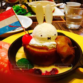 カフェ,フルーツ,りんご,キャラクター,焼きリンゴ,ミッフィ