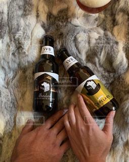 仲良くビールの写真・画像素材[2828269]