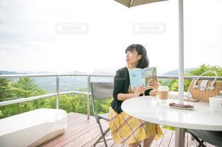 軽井沢で読書の写真・画像素材[2906751]