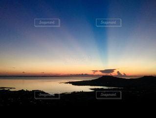 南城市の夜明けの写真・画像素材[906069]
